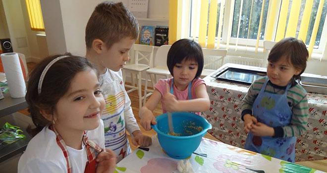 Ce ar putea învăța România din sistemul finlandez de educație